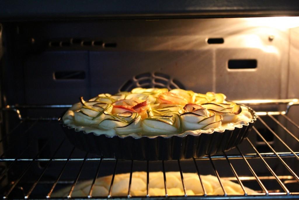 tarte-pommes-fleurs-roses-linstantflo