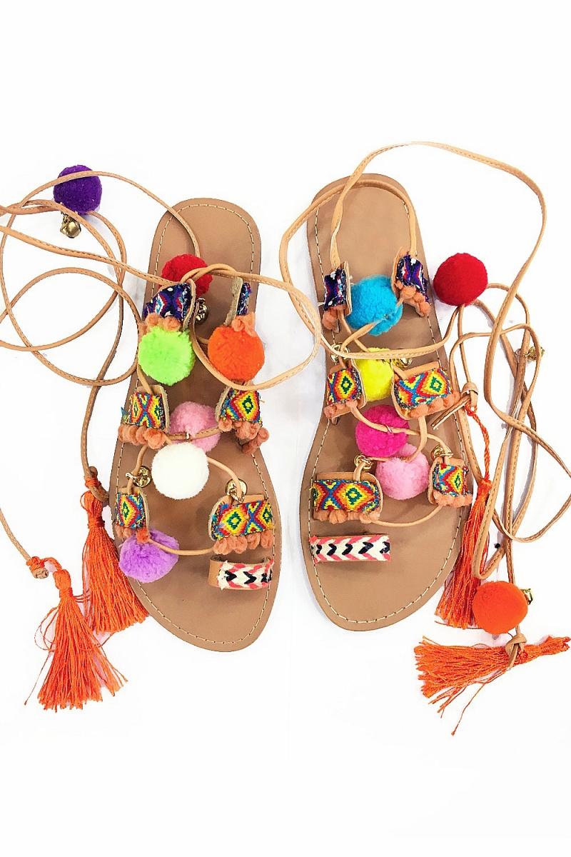 sandales-pompons-et-tissages-maya