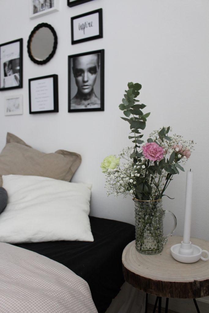 Bedroom : Déco et mur de cadres