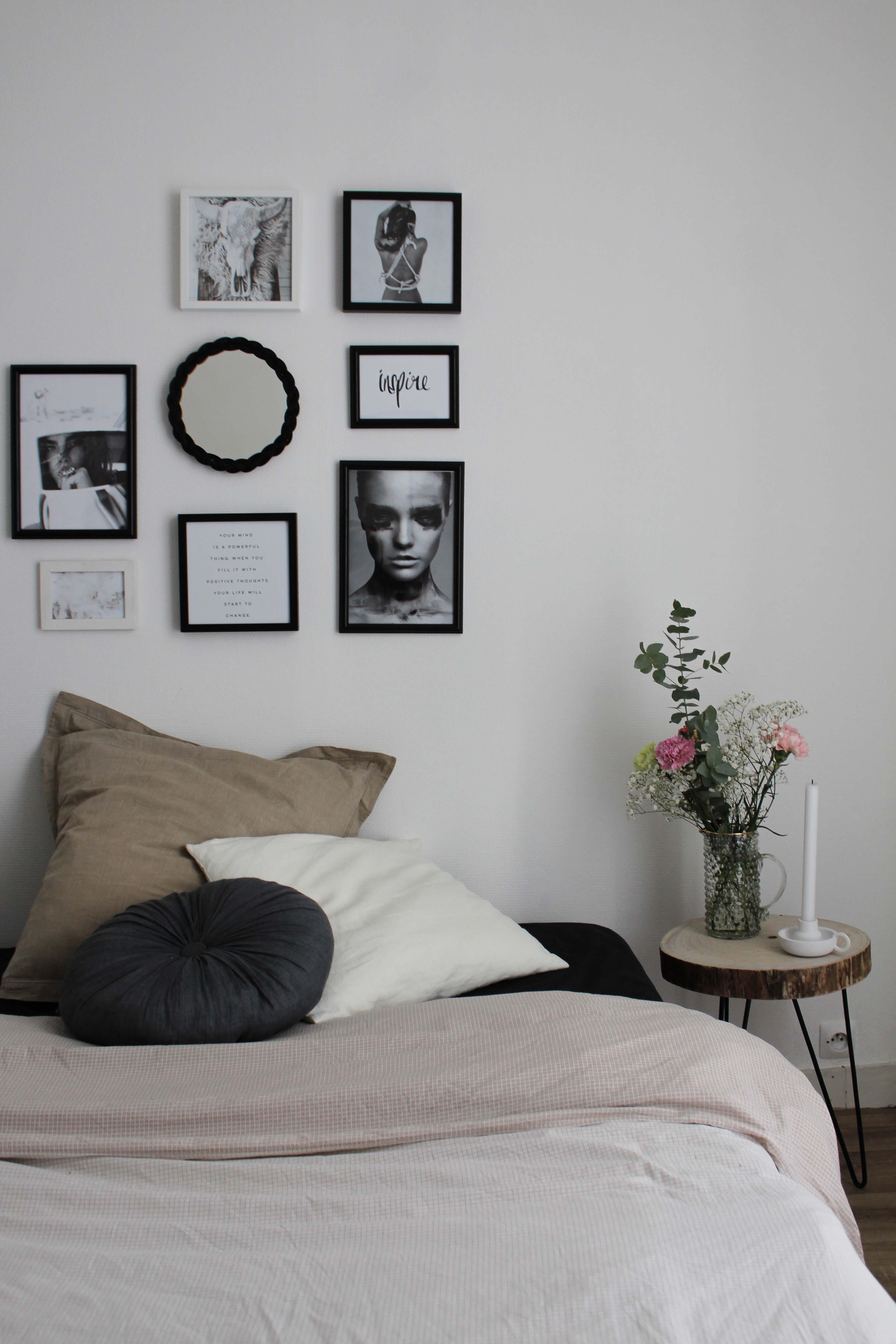 bedroom d co et mur de cadres l 39 instantflo. Black Bedroom Furniture Sets. Home Design Ideas